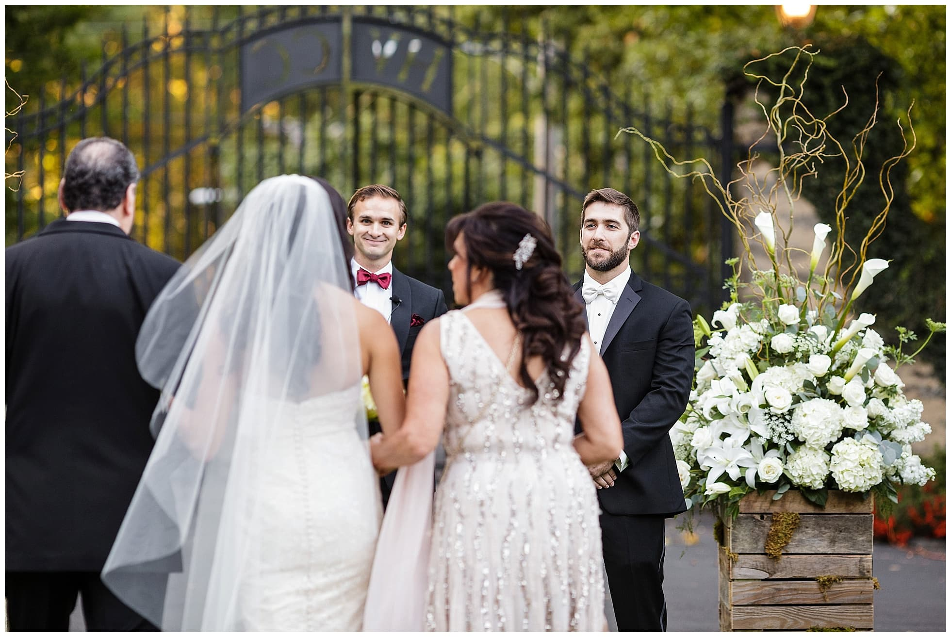 Outdoor Wedding Ceremony At Huntingdon Valley Country Club Photos By Ashley Gerrity Photography