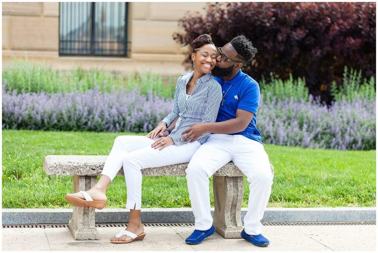 Bench outside Art Museum perfect for engagement pictures | royal blue engagement inspiration